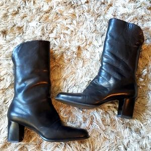 Black leather, and fur boots from Italy, size 38